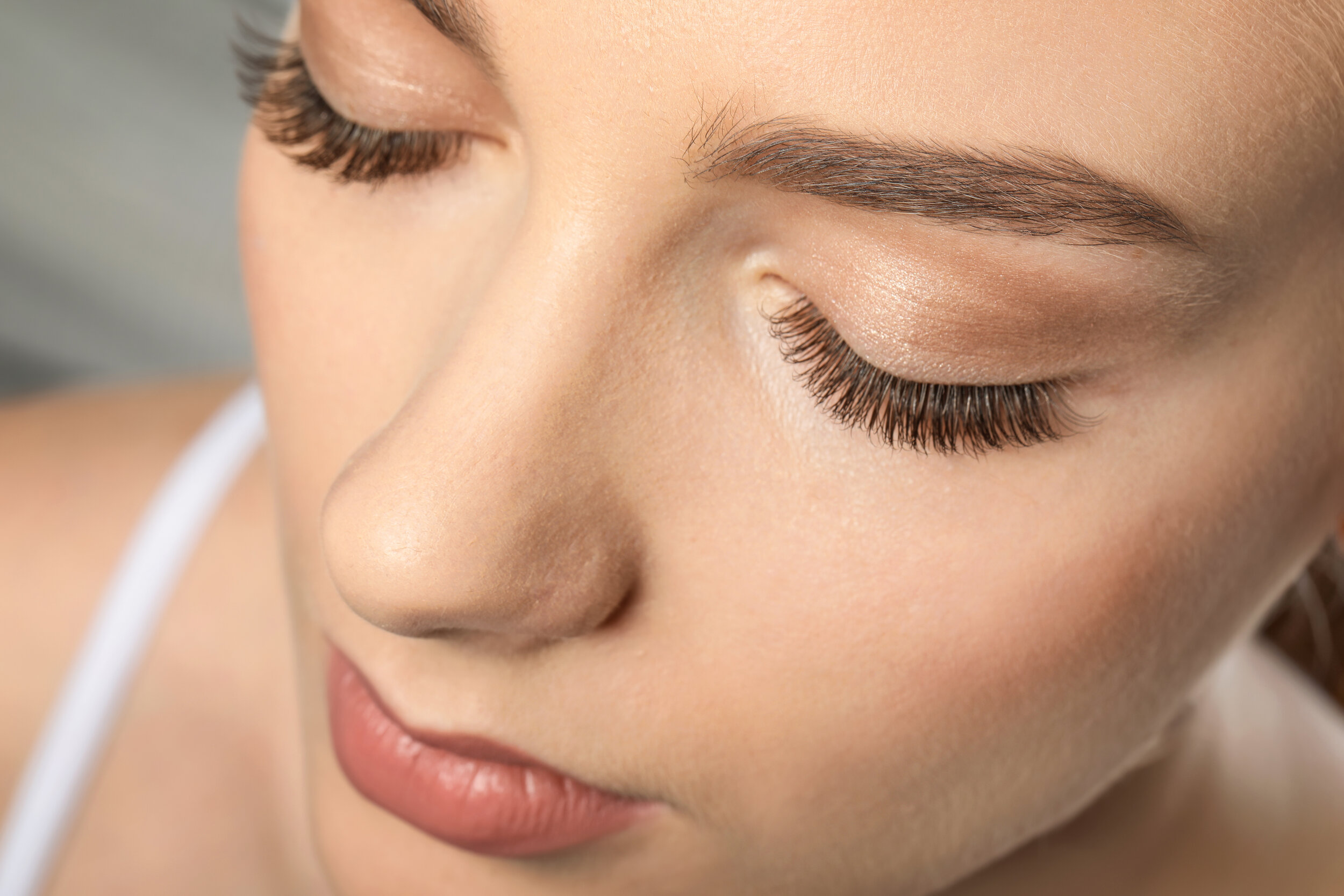 NATURALClassic Lash Extensions - Adding more length and colour to each of your natural lashes with custom eye shape, your natural lashes and personal preference. Approximately 90-100 lashes per eye.160Book Online Now