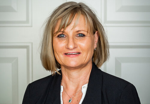 Sabine Grams, Office-Management