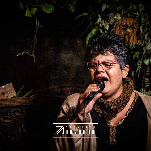"""""""Compartir con jóvenes, me hace sentir joven otra vez, me divierto mucho con los muchachos"""" -Dora Rojas-  #ProyectoAbraham #BuscadNuevosMétodos www.proyectoabraham.band"""