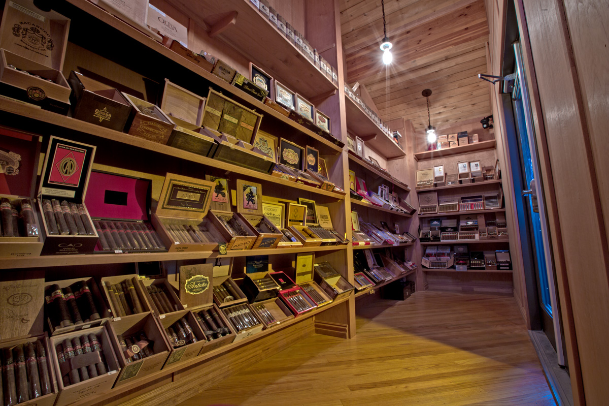 incredible cigar selection - Members can purchase cigars from the walk-in humidor 24 hours a day. Both single cigars and full boxes are available. Carried on-site are some of the most distinguished cigar brands available anywhere in the area, including Davidoff, Liga Privada, Montecristo, and so much more.