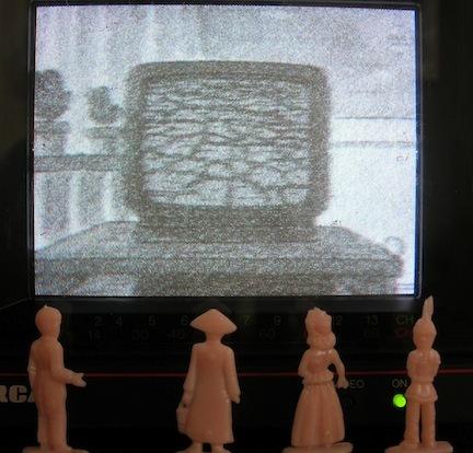 Pinky TV; Watching TV