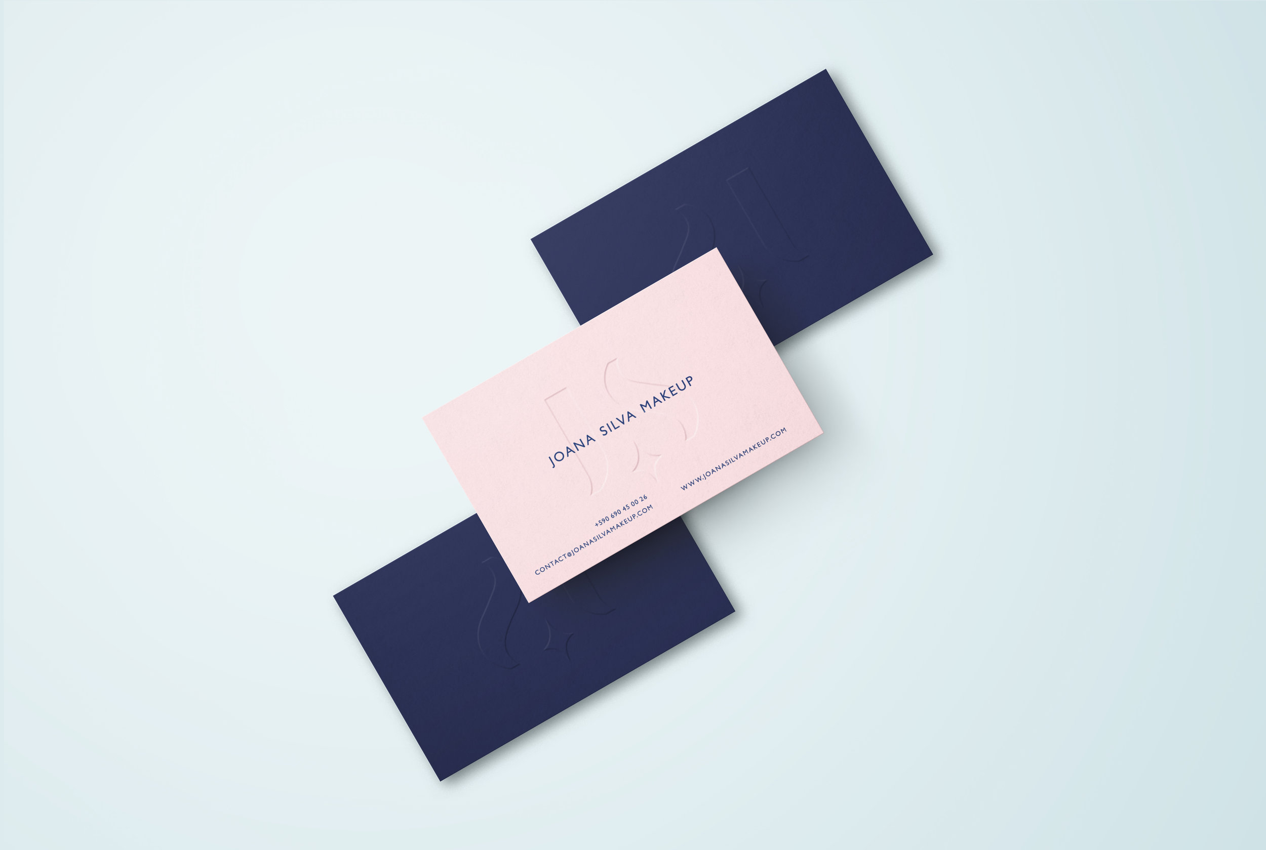 Joana+Silva+Makeup+business+cards+by+Gen+Design+Studio.jpg