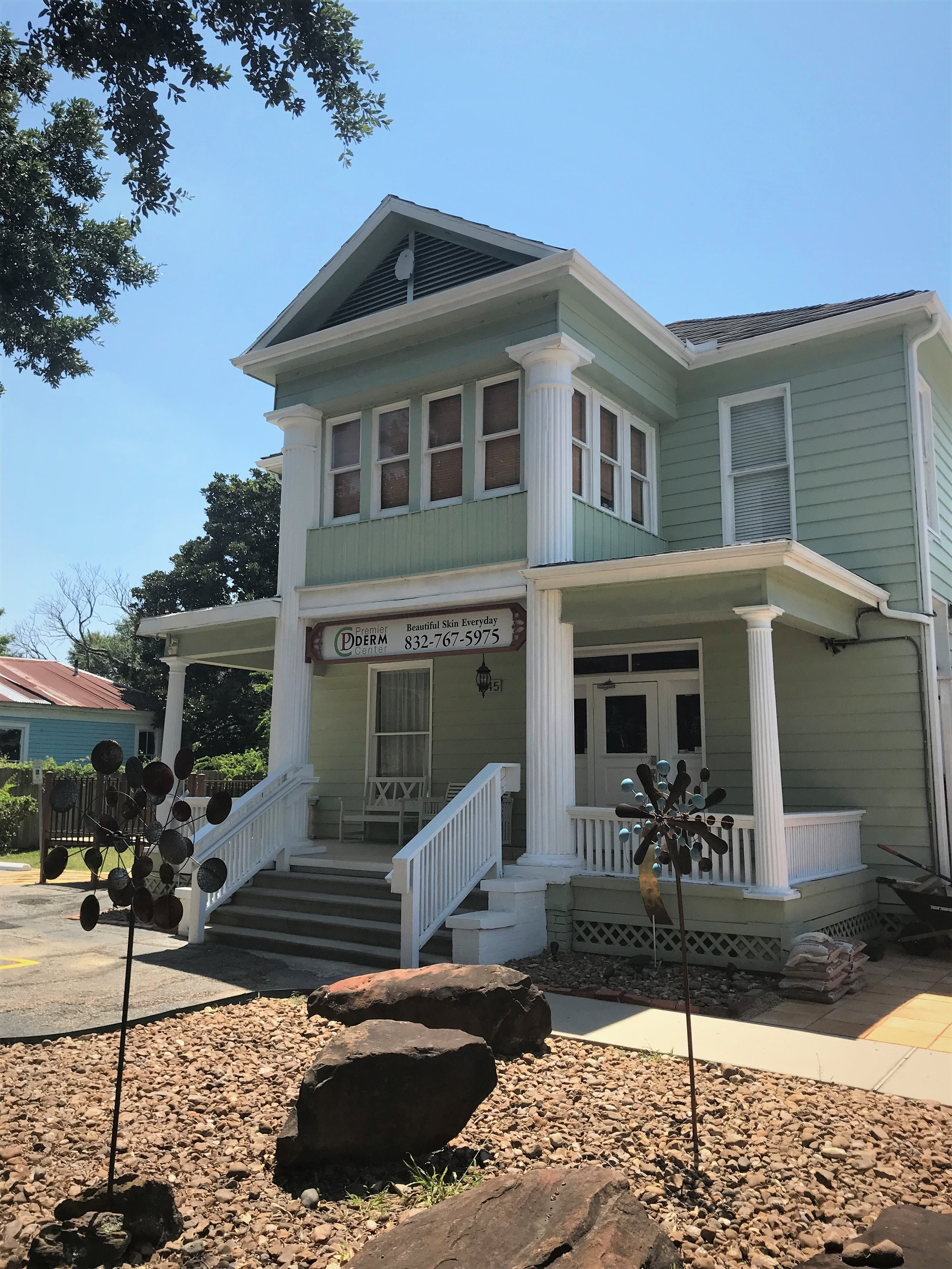 Our Clinic is located in the Historic Houston Heights neighborhood.