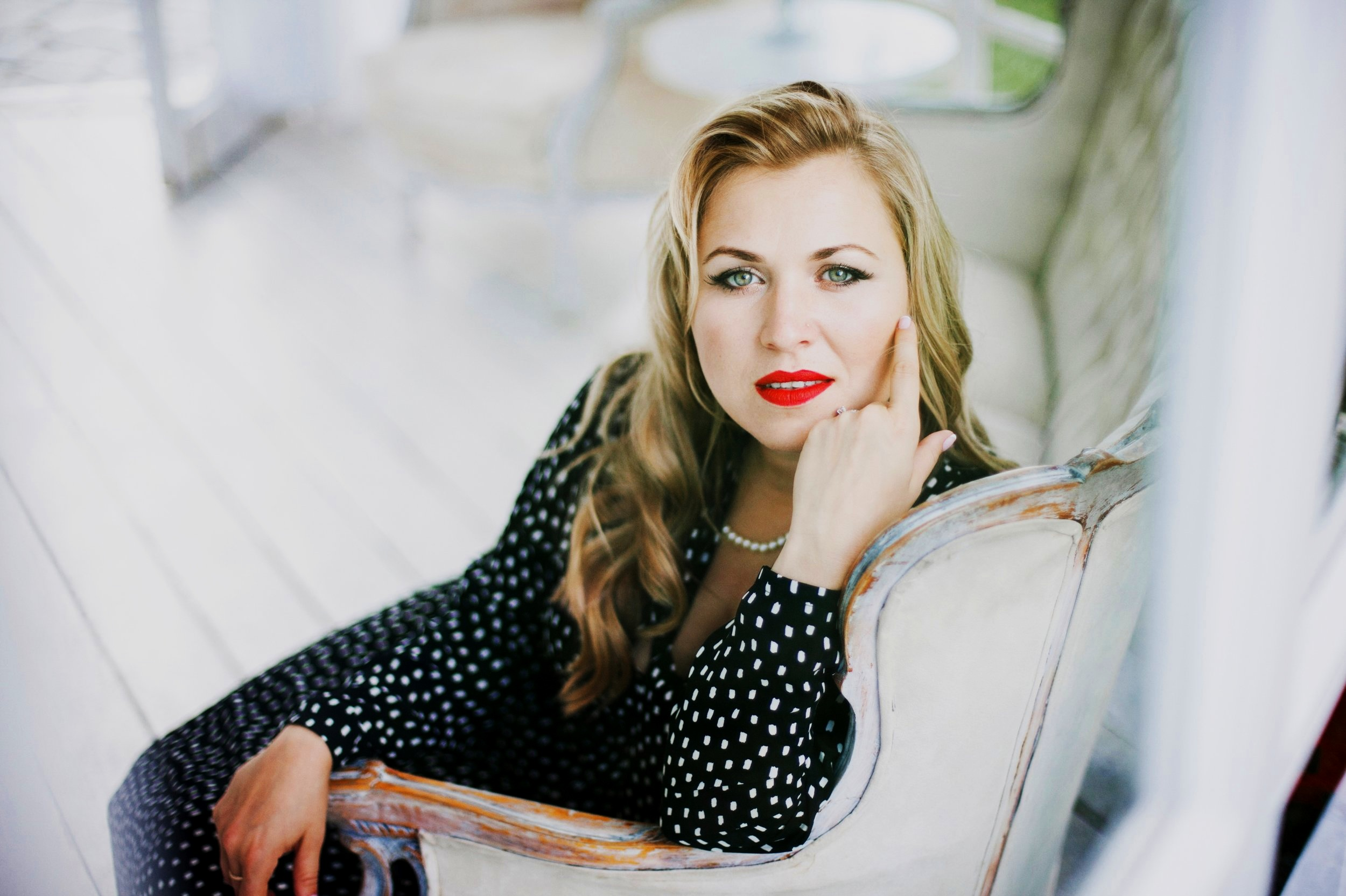 Katerina Brown - VOCALIST