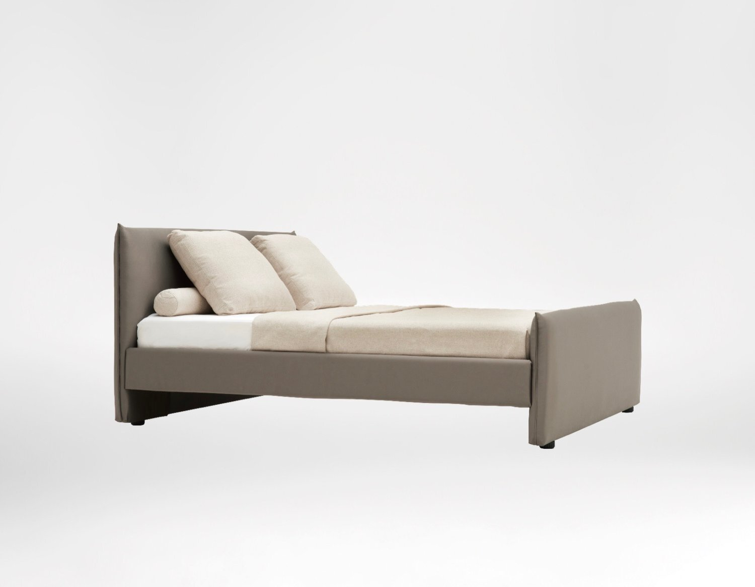 Era bed - Refined and outstandingly chic, the Era Bed echoes old time glamour in a contemporary fashion.