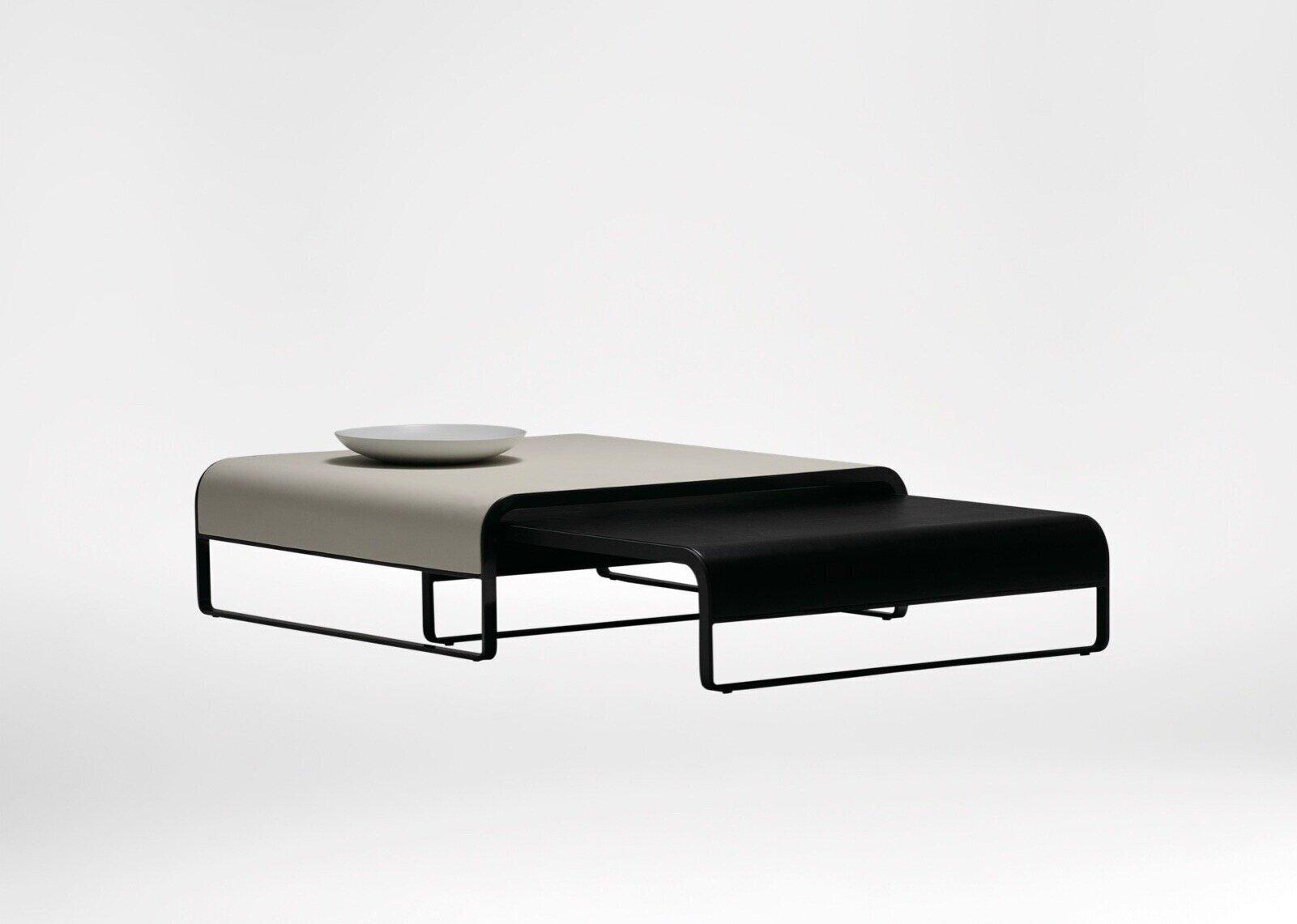 Era coffee table - Gentle organic curve juxtaposes stylishly with the slick black steel.