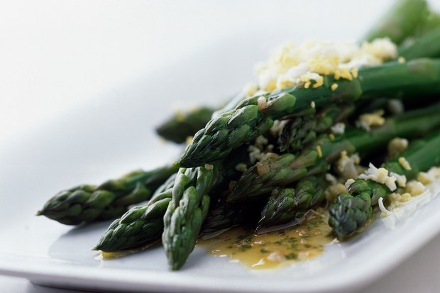 106350_asparagus-with-tarragon-sherry-vinaigrette_6x4.jpg