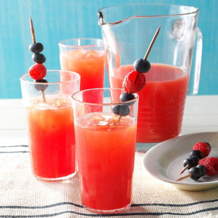 Strawberry-watermelon-lemonade.jpg