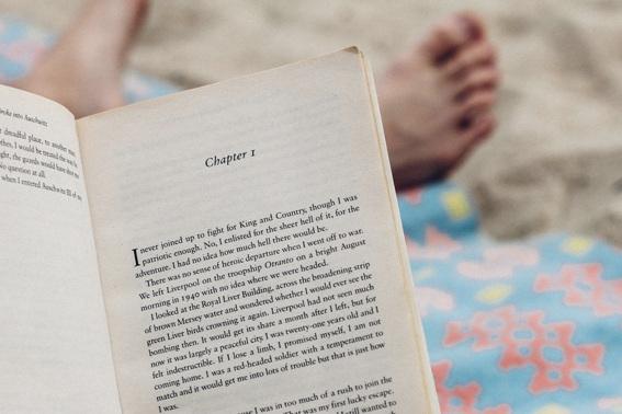 foot-reading.jpg