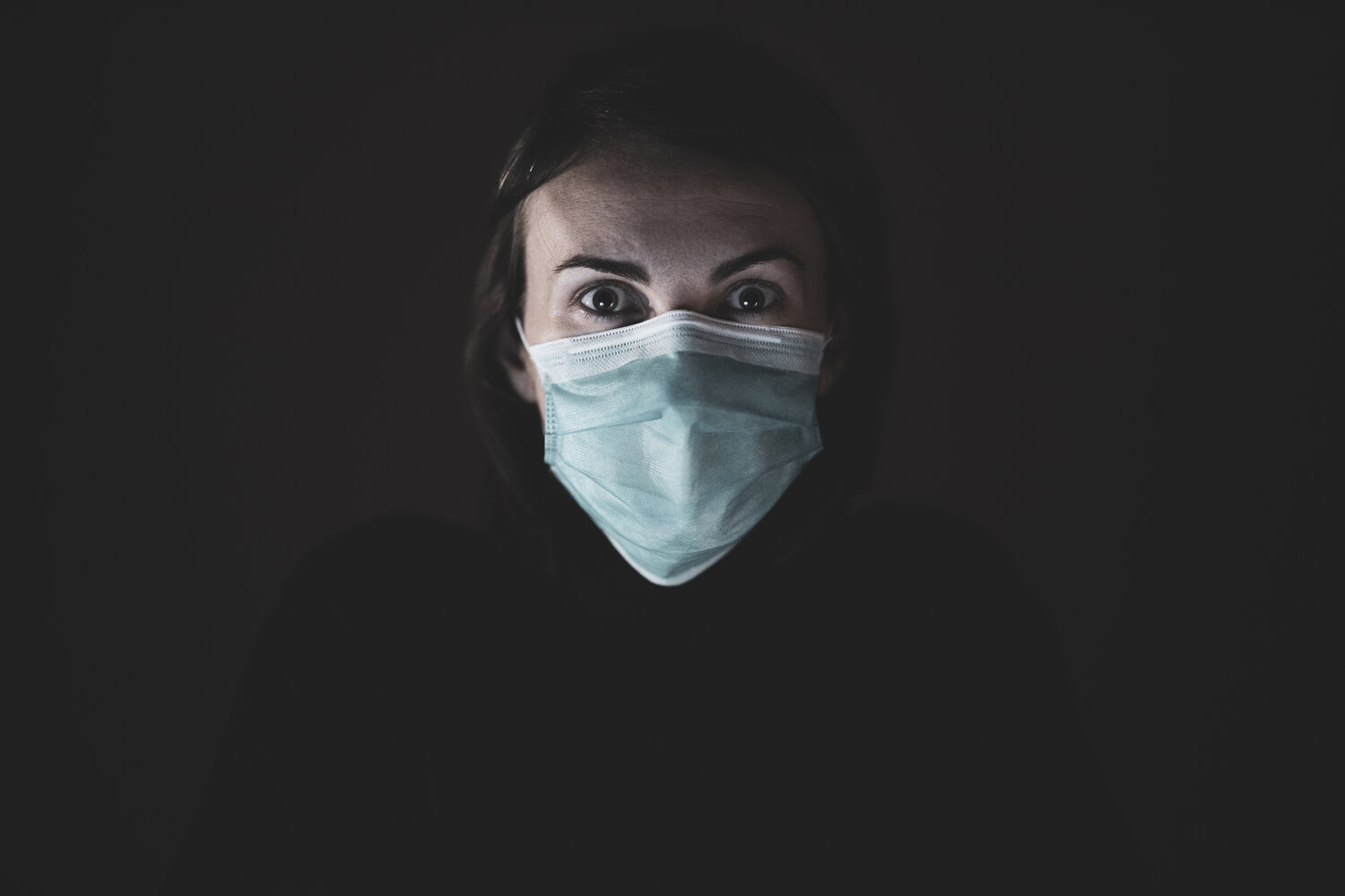 The pandemic is a protracted process that combines a strong fear of dying with uncertainty about when the danger is over. It can always come back and has also been accompanied by authoritarian and erratic action by the authorities. Photo: Engin Akyurt, @enginakyurt, Unsplash.