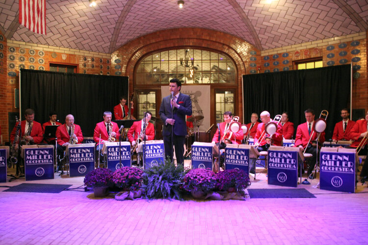Glenn Miller Orchestra at the annual Bel Canto