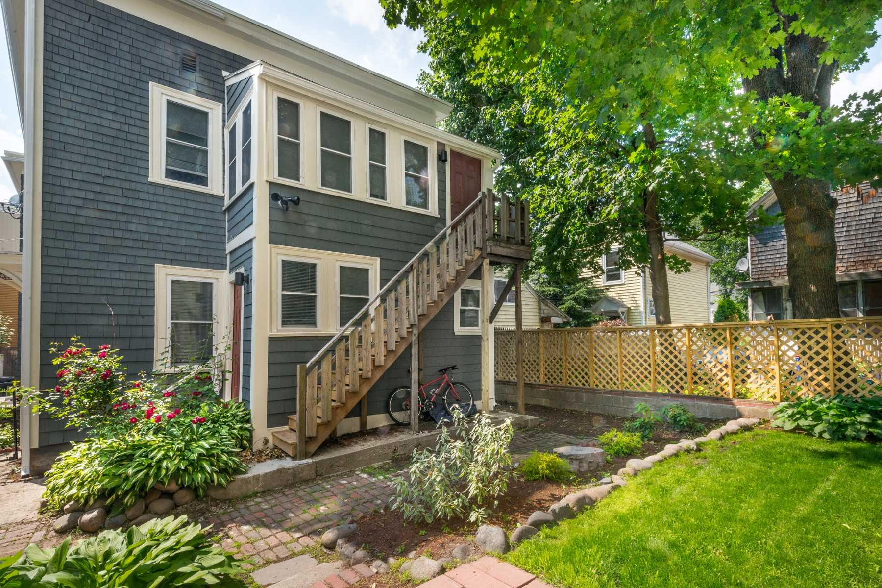 4-CapstoneCommunities-property-Riverside-Place-Apartments-Cambridge.jpg