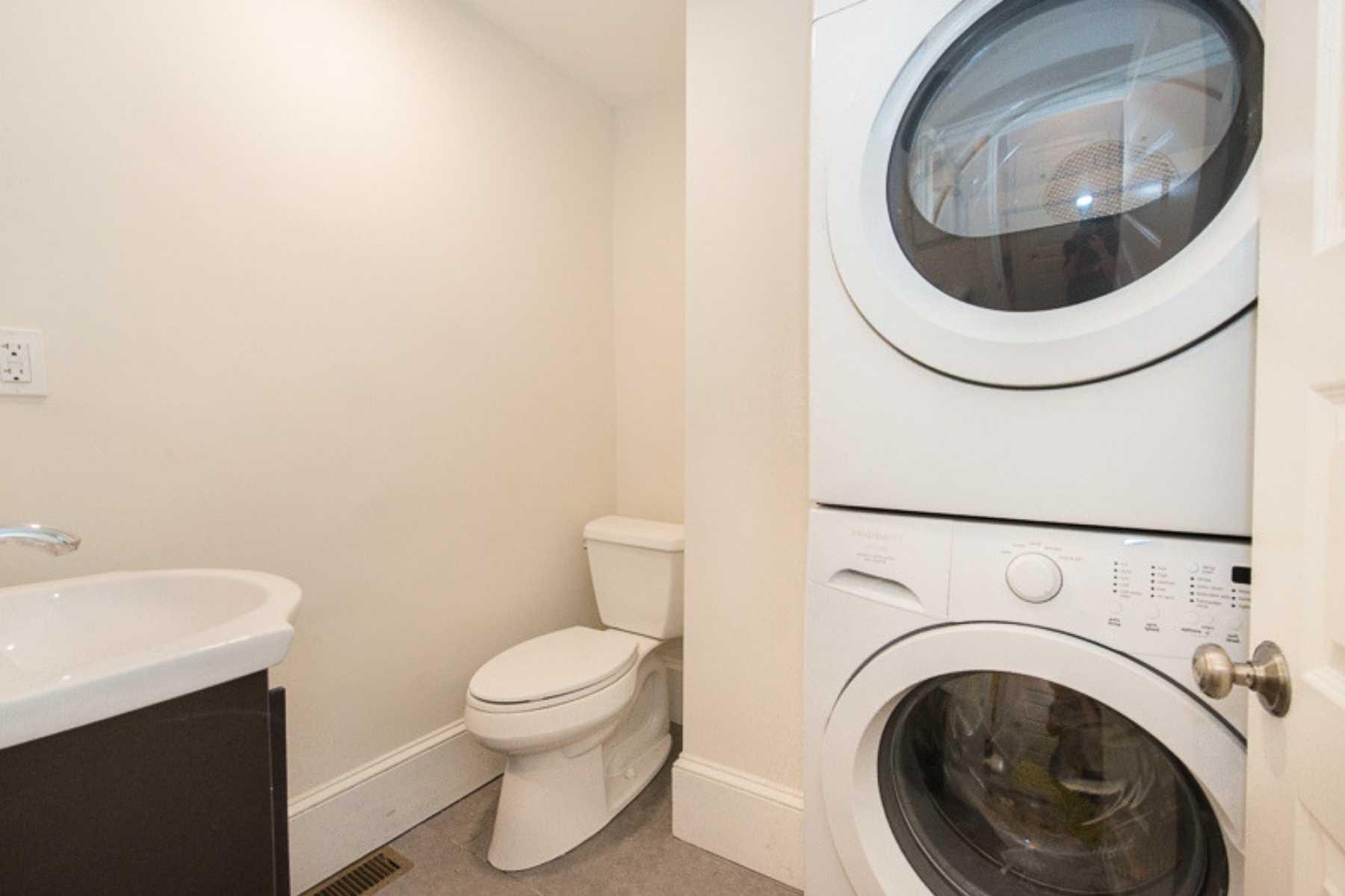 9-CapstoneCommunities-property-Riverside-Place-Apartments-Cambridge.jpg