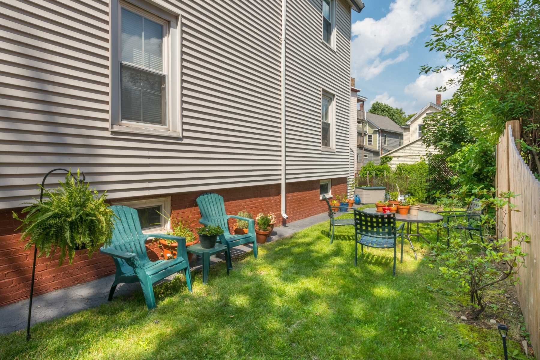 3-CapstoneCommunities-property-Dickinson-Street-Apartments-Somerville.jpg