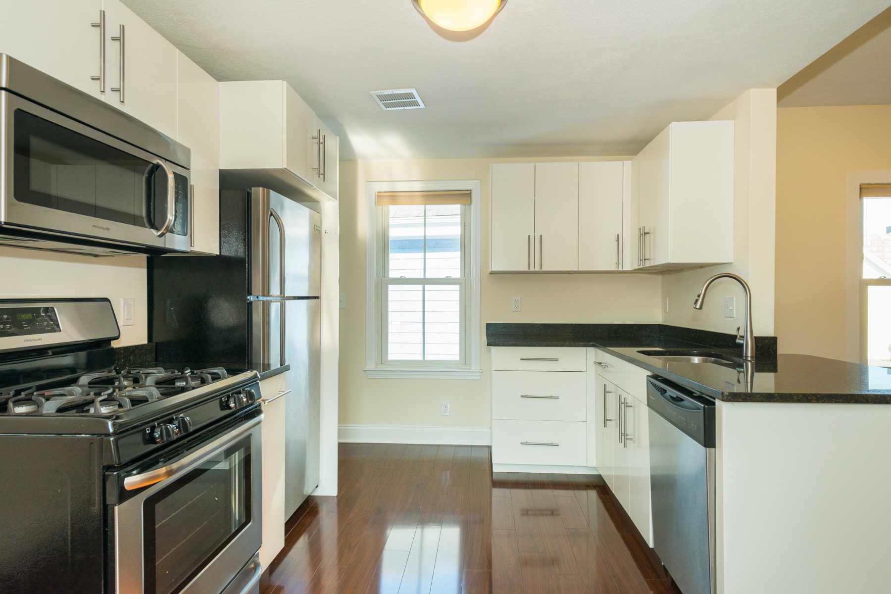 5-CapstoneCommunities-property-Dickinson-Street-Apartments-Somerville.jpg
