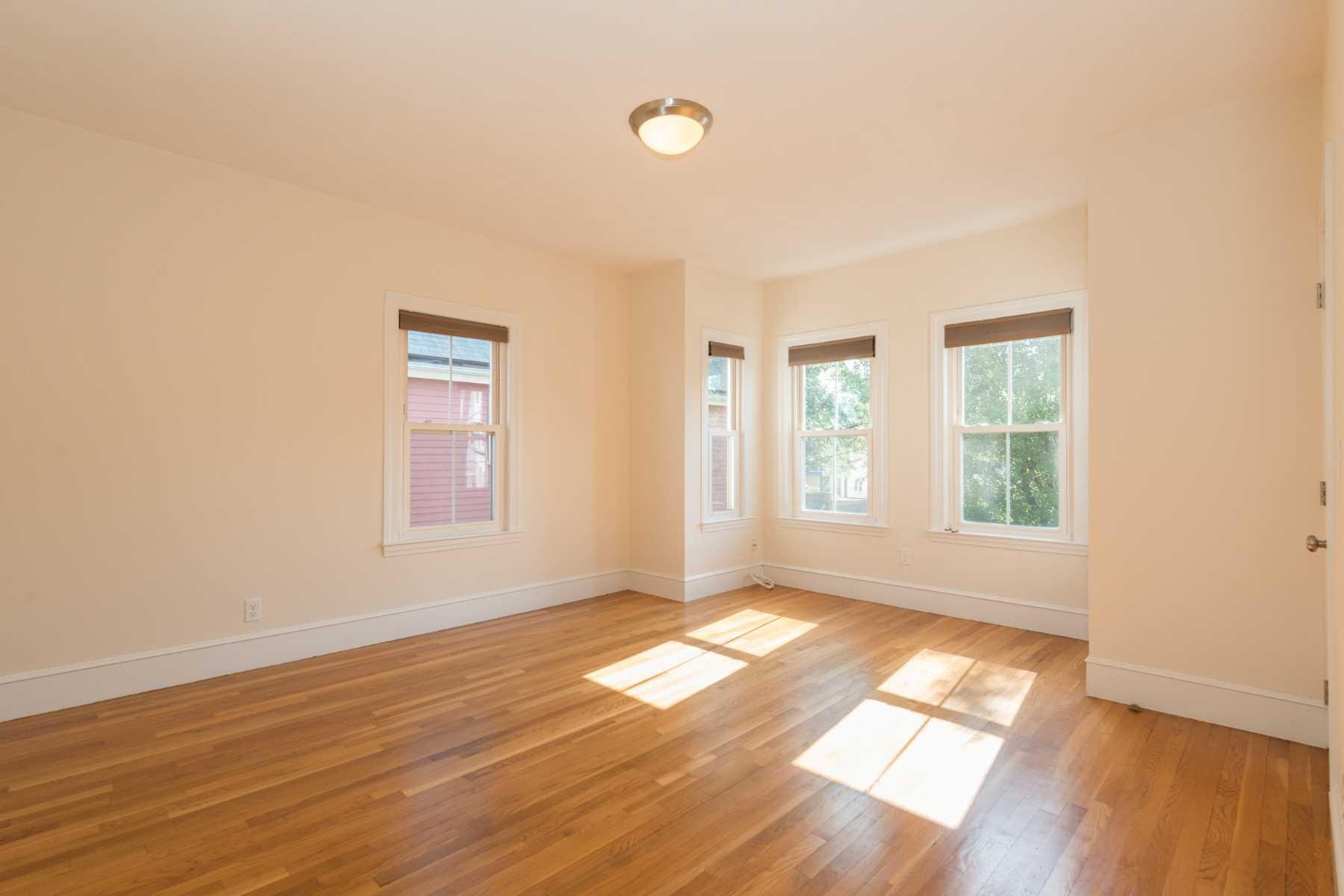 7-CapstoneCommunities-property-Dickinson-Street-Apartments-Somerville.jpg