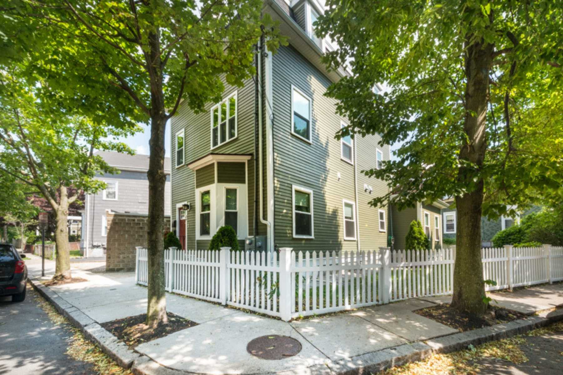 2-CapstoneCommunities-property-OakStreetCondominiums-Somerville.jpg