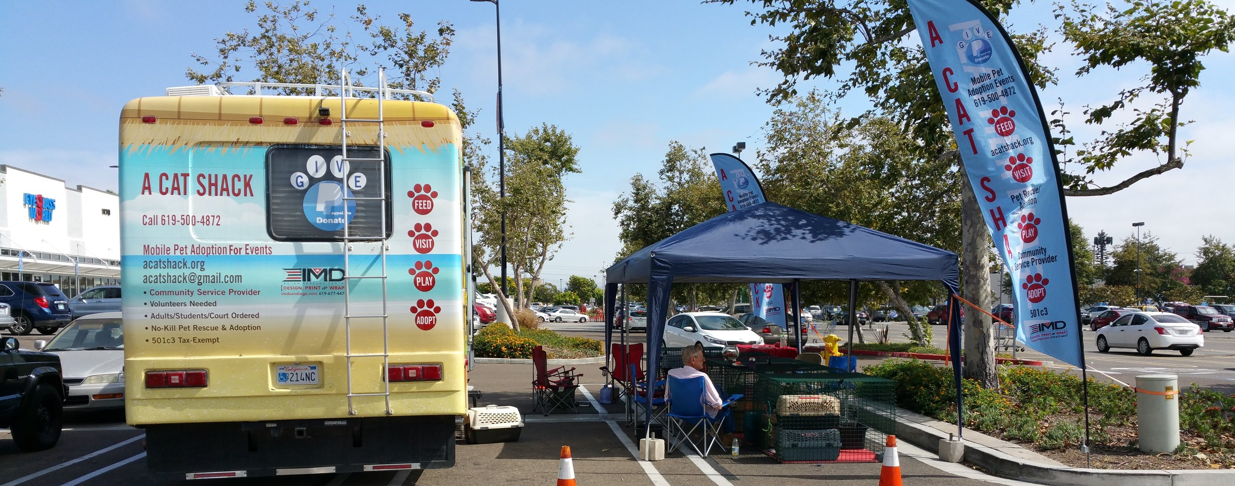 rv and flags for petco smaller.jpg