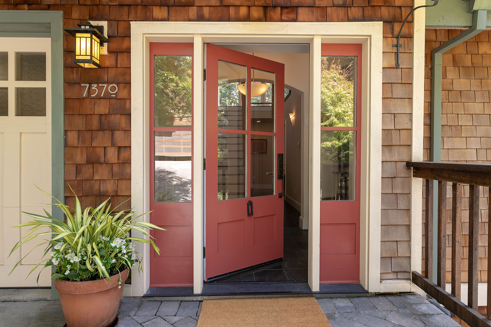 03 Front entry.jpg
