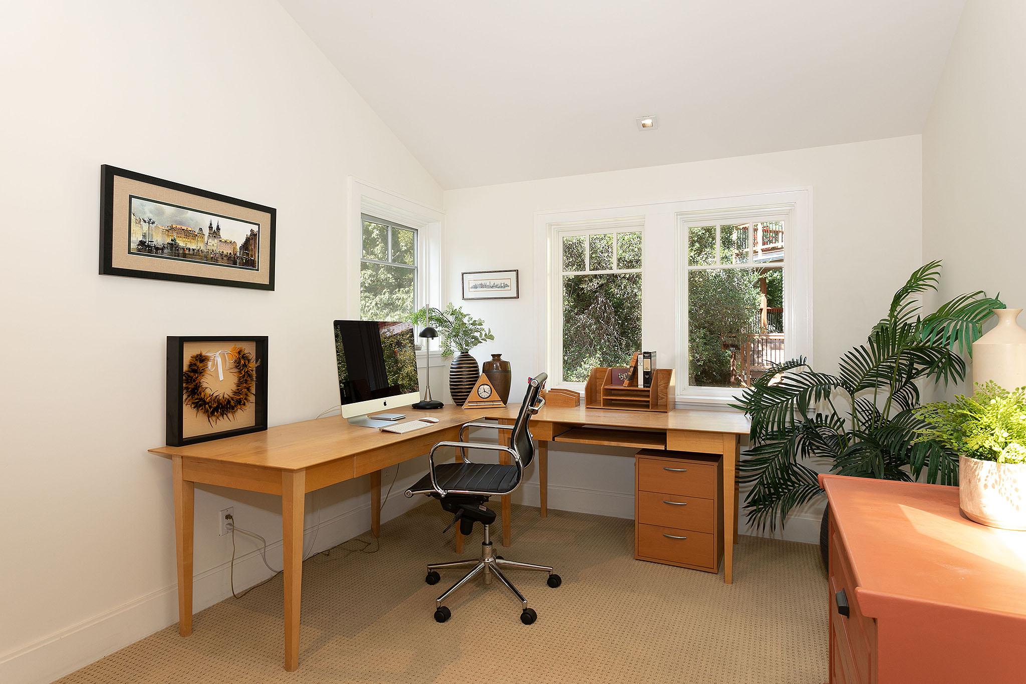 19 Office.jpg