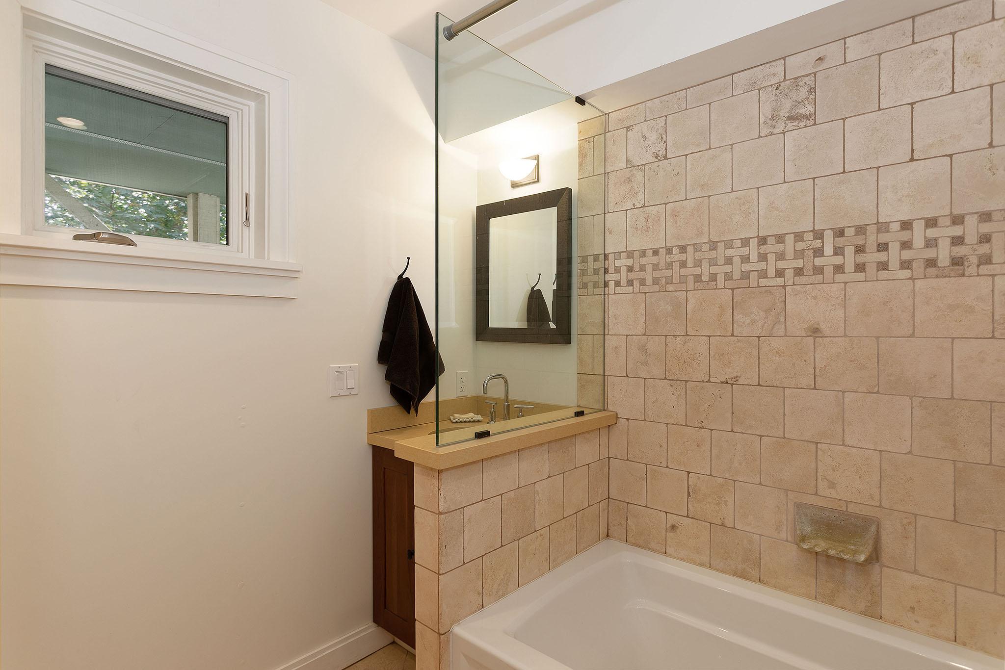 26 bath.jpg