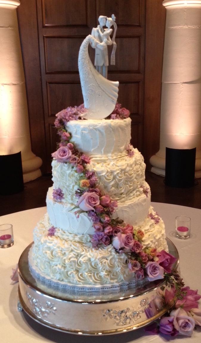 4 tier cascade lavender rosettes natural .jpg