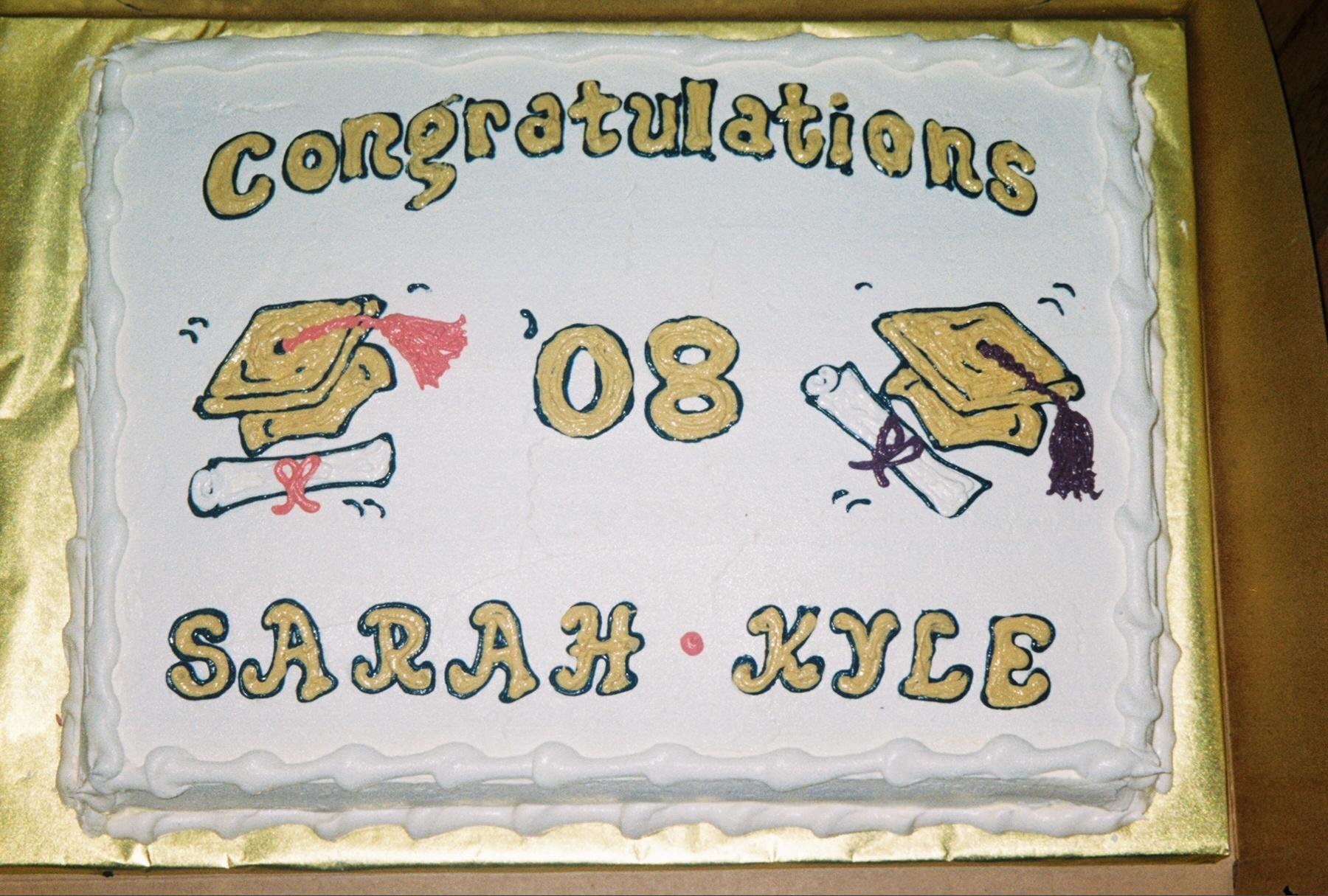 grad cake gold.jpg