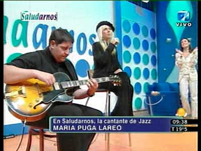 Singing live on the Argentine National TV - Channel 7