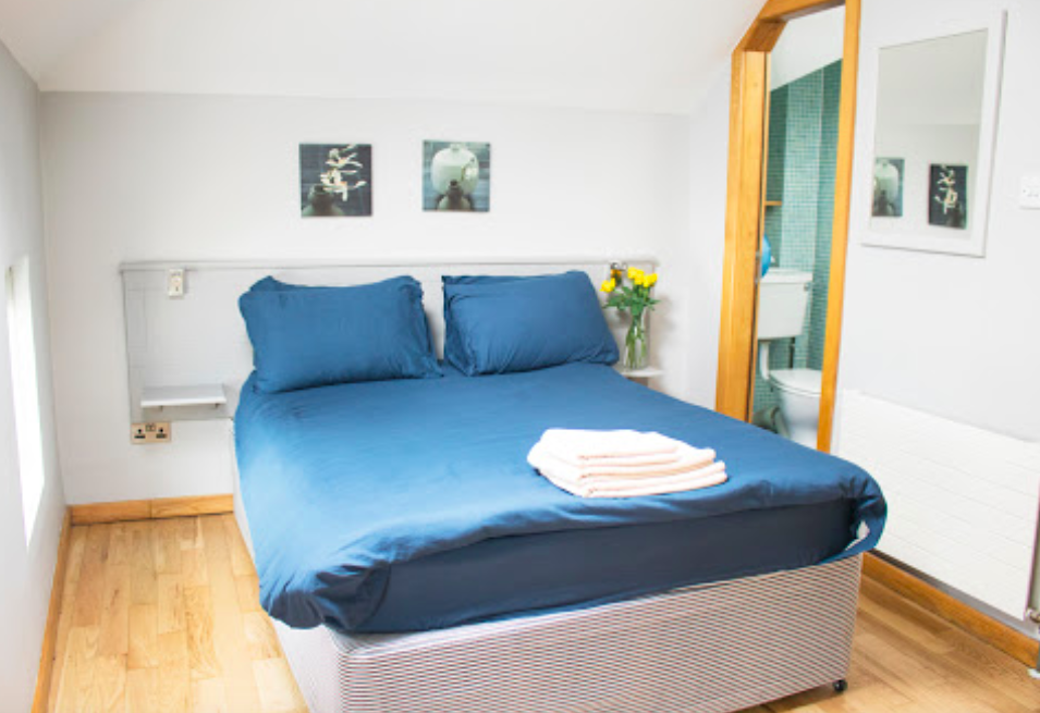 Private room - SLEEPS 1-4Private rooms, including doubles and twin bunks up to 4 bed privates. Only you will have access to these rooms giving you all the space and privacy you want!
