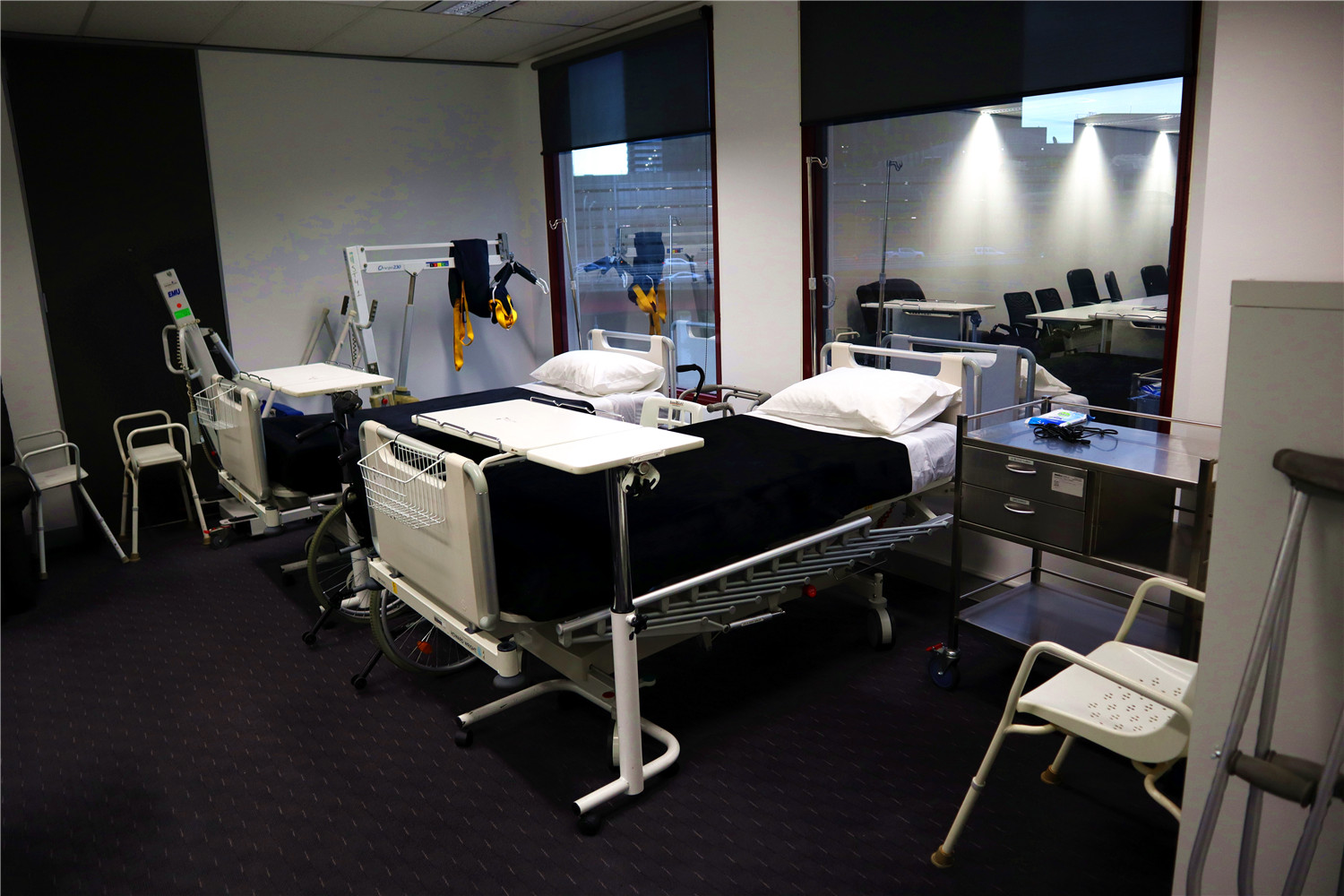 simulation room02.jpg