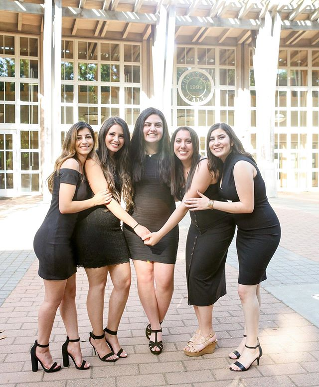 EAΣ taught me you can never have too many black dresses 🖤💜