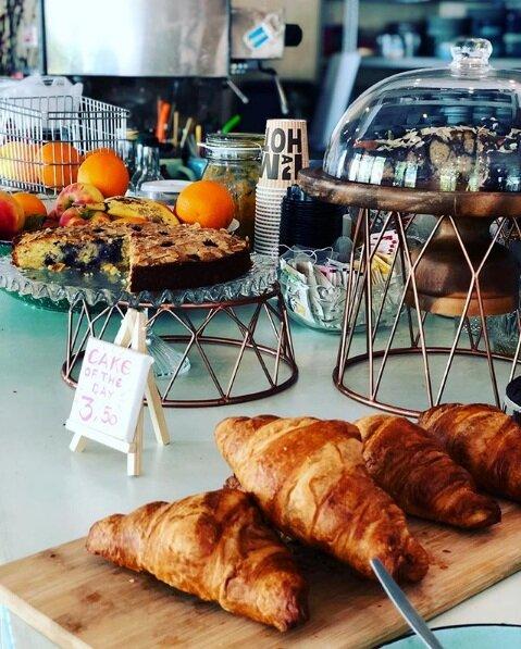 Flink Cafe Bar Snacks Cakes.png