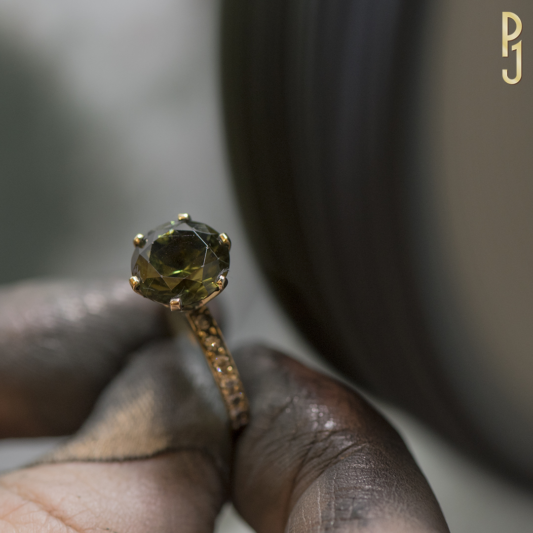 Cleaning & Polishing - Philip takes great pride in making your jewellery look its best by professionally cleaning and hand polishing each piece.