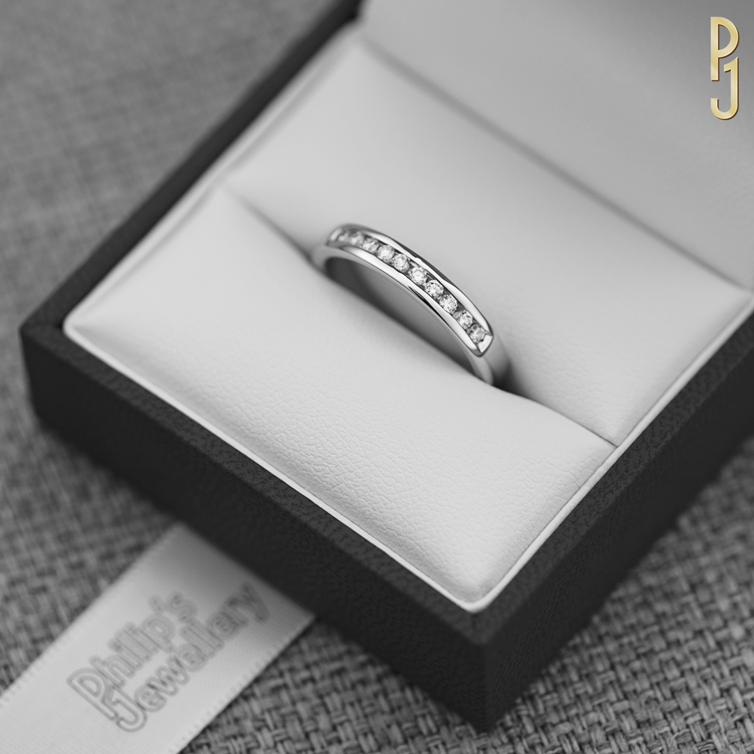 HER WEDDING RING - Choose a wedding ring to complement your engagement ring or have one custom-made to suit.Discover more in-store.