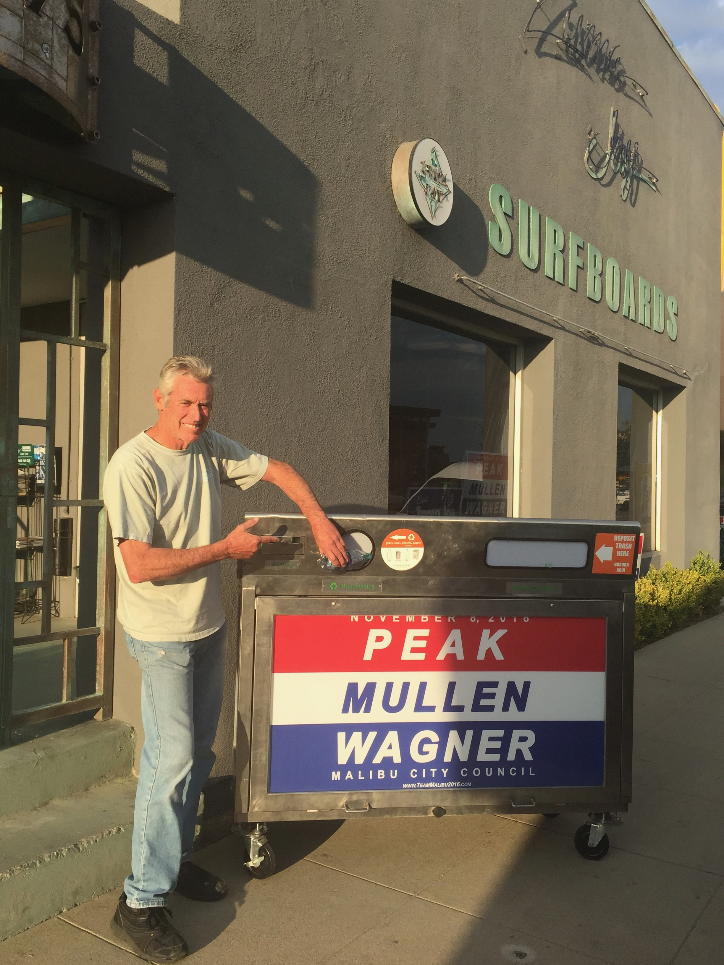 """ZUMA"" Jay Wagner - Former Mayor and current City councilman, in Malibu, California USA endorse our SOLAR WIFI ECO BIN on the city deployment.The environmentally conscious philosophy of the city fits in perfectly with the SOLAR WIFI ECO BIN philosophy"