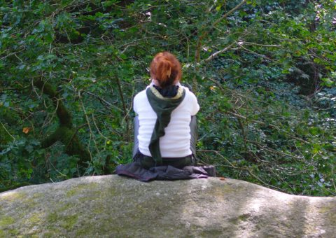 Méditation-en-forêt-de-Huelgoat-480x340.jpg