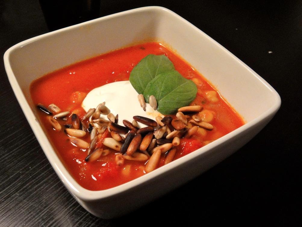 Tomaatti-kikhernekeitto.jpg