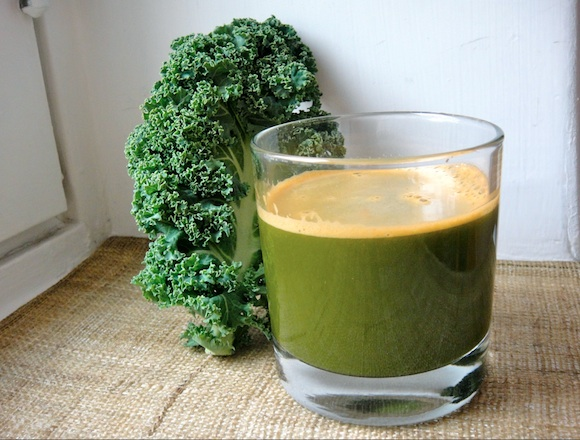vihreä-porkkanamehu.jpg