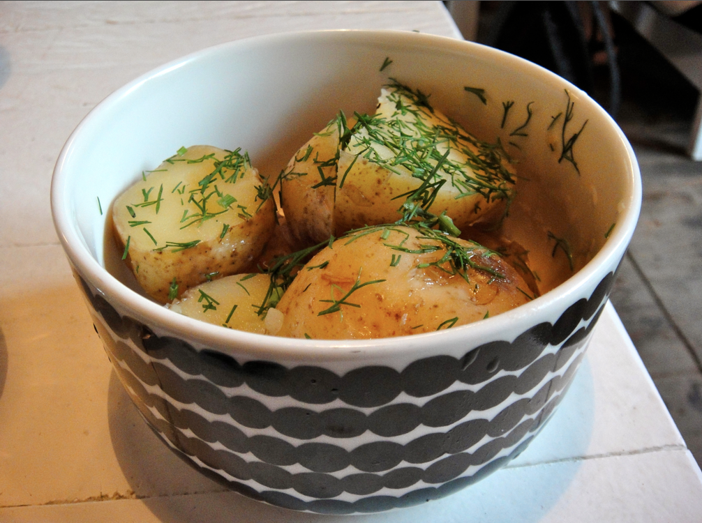 Uudet perunat tillivoissa