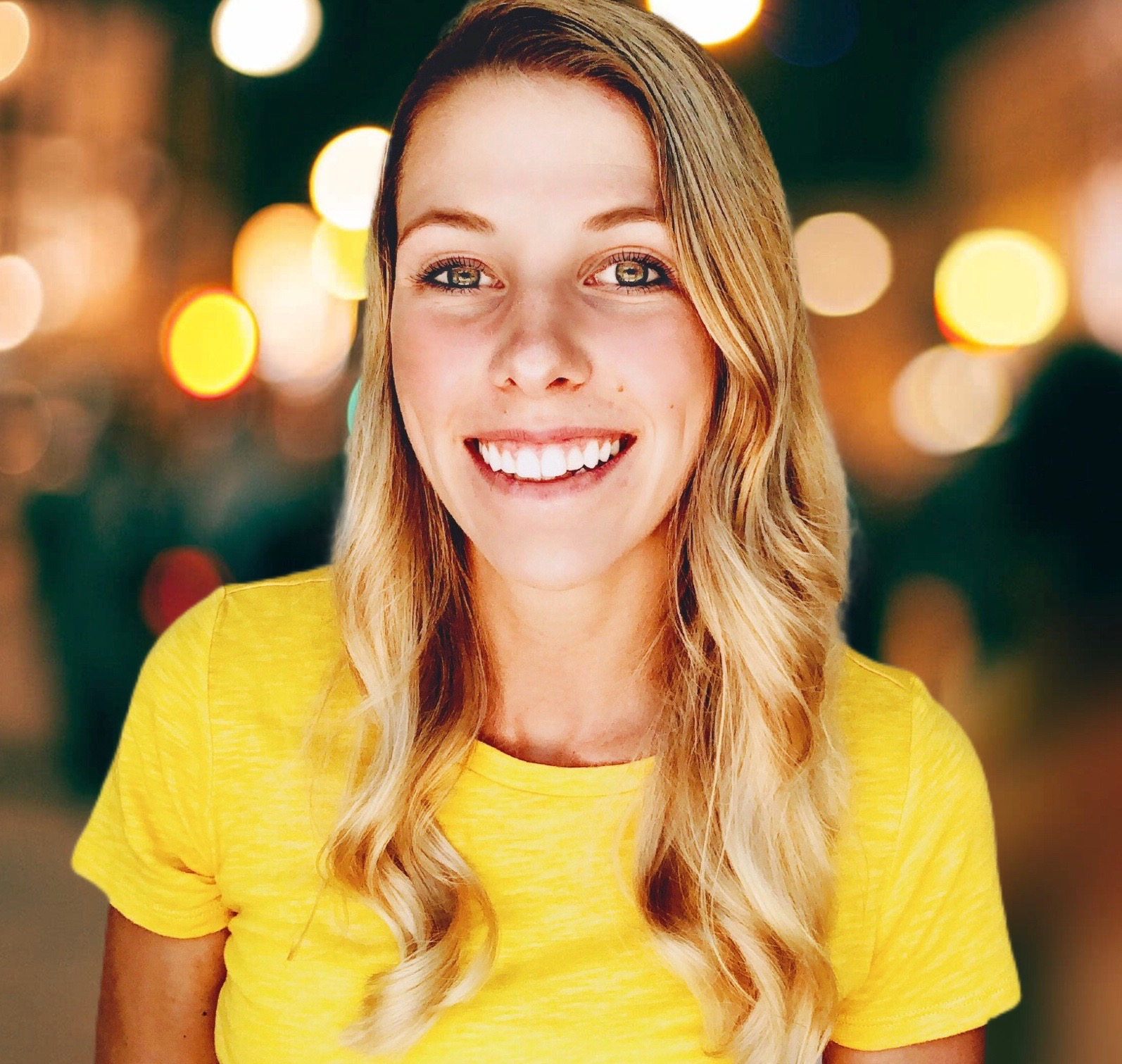 It's nice to meeT you! - I'm Lex and I'm so excited you're here. Your brand needs to live up to its potential with a dreamy website that converts. Having someone behind your brand who cares just as much as you can make all the difference.