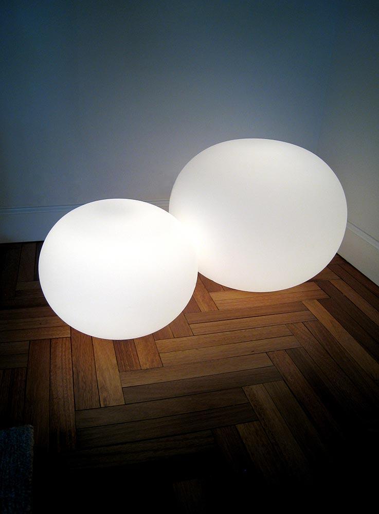 Manhattan-Rental-3-LR-floor-lamp-closeup.jpg