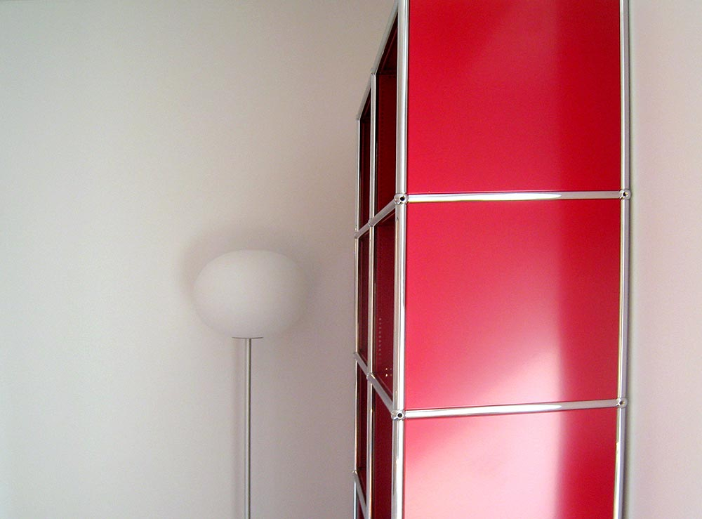 Manhattan-Rental-5-Bedroom-bookcase-closeup.jpg