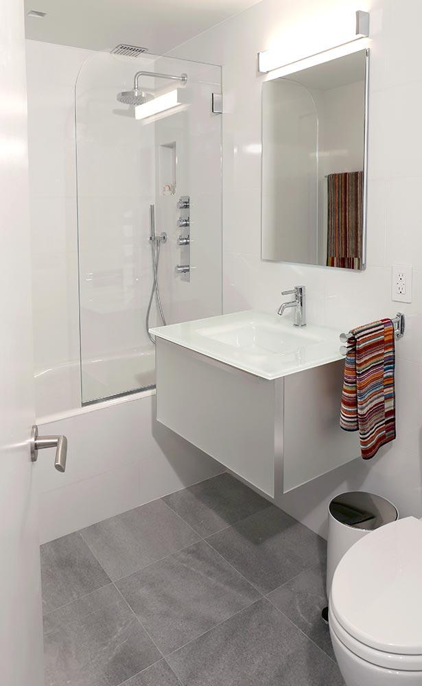 2-guest-bath.jpg