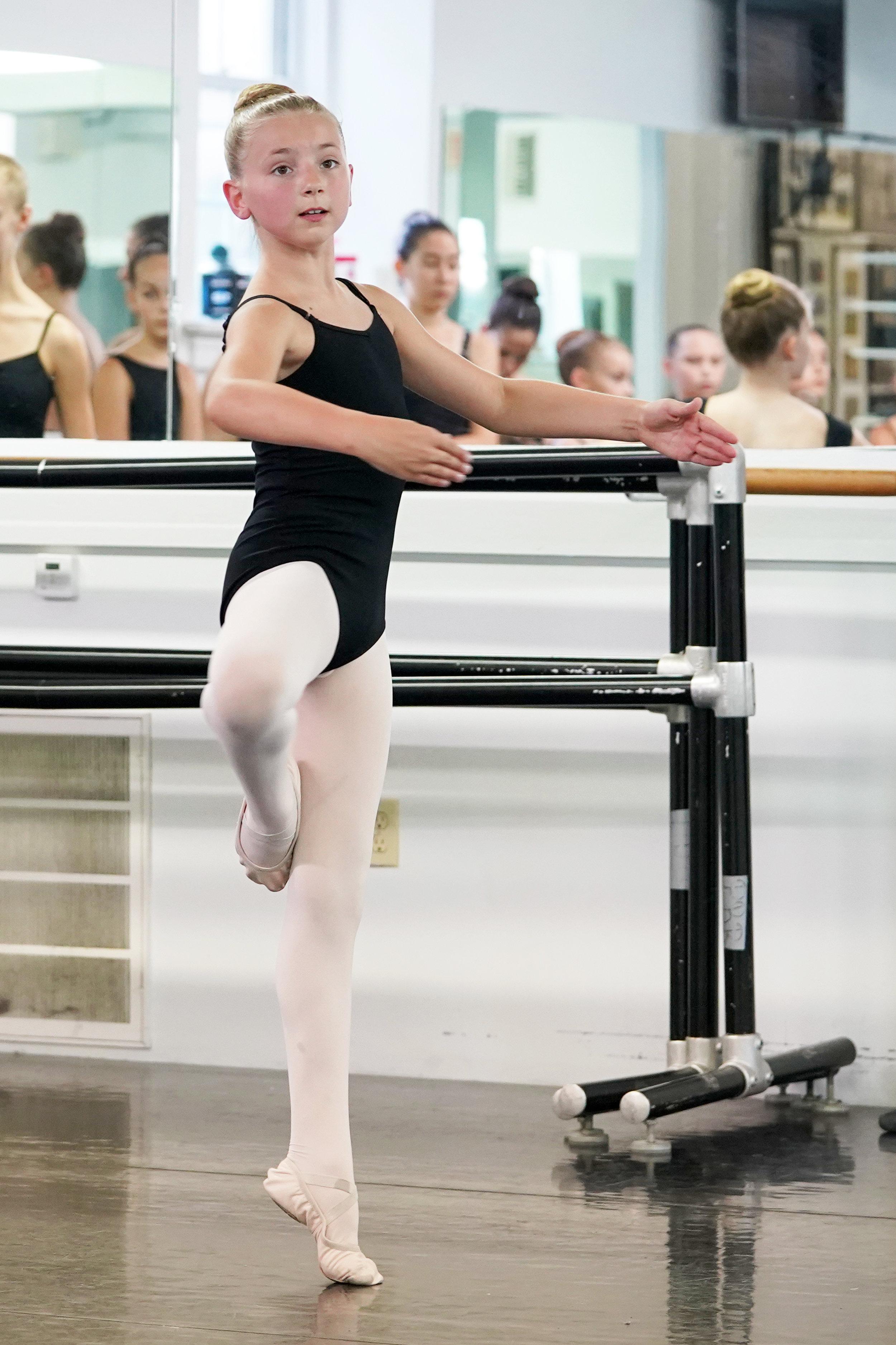 dancer in passe derriere