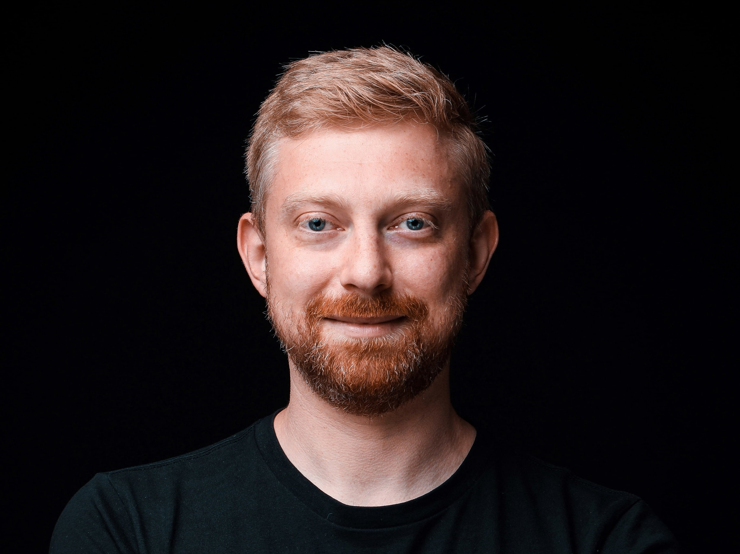 Hi, I'm Jonas - I'm on a mission to help people like you design and build websites with clever automations.My newsletter focuses on the concept of making your business smarter - not bigger.