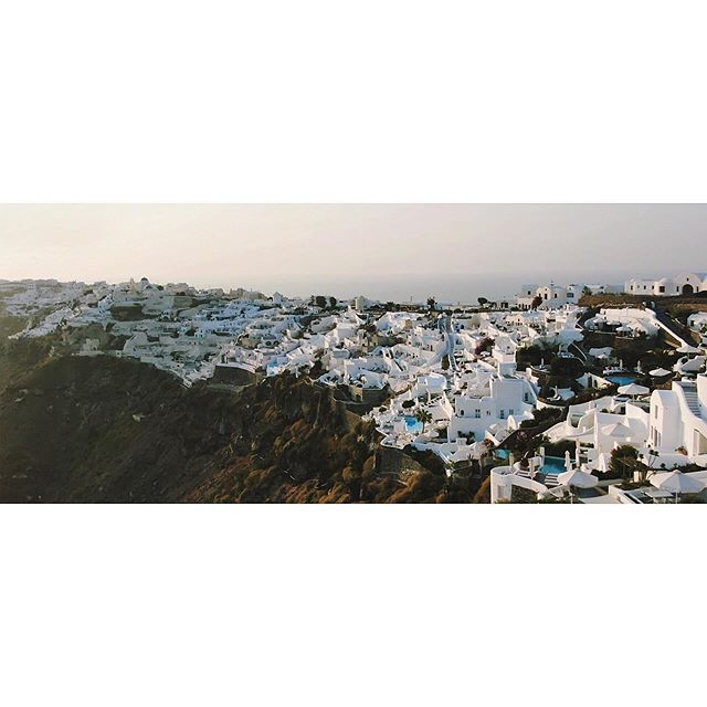 #santorini . . . . . #videoproduction #videographer #videography #filming #filmmaker #filmmaking #videomaker #videoshoot #greece #dji #dronevideos #dronegram #dronegreece  #santorinigreece