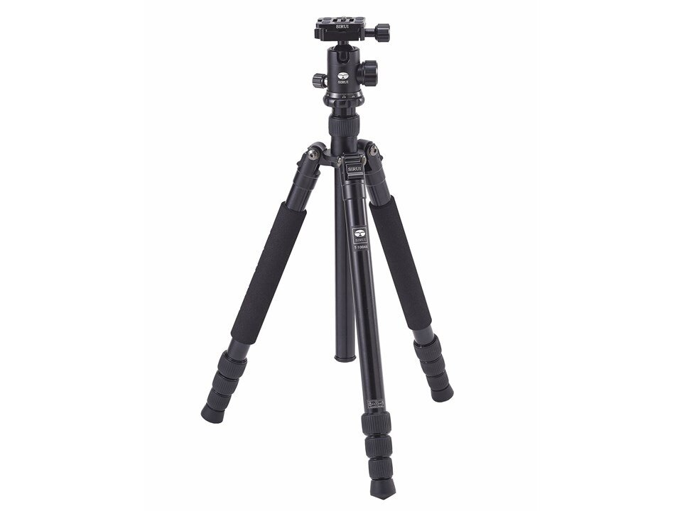 SIRUI TRIPOD T-1004X+G-10KX - Simple and lightweight which gets the job done.