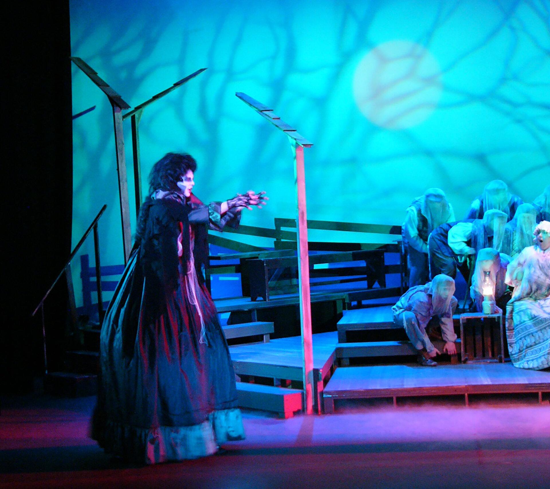 L_theatre_1.jpg