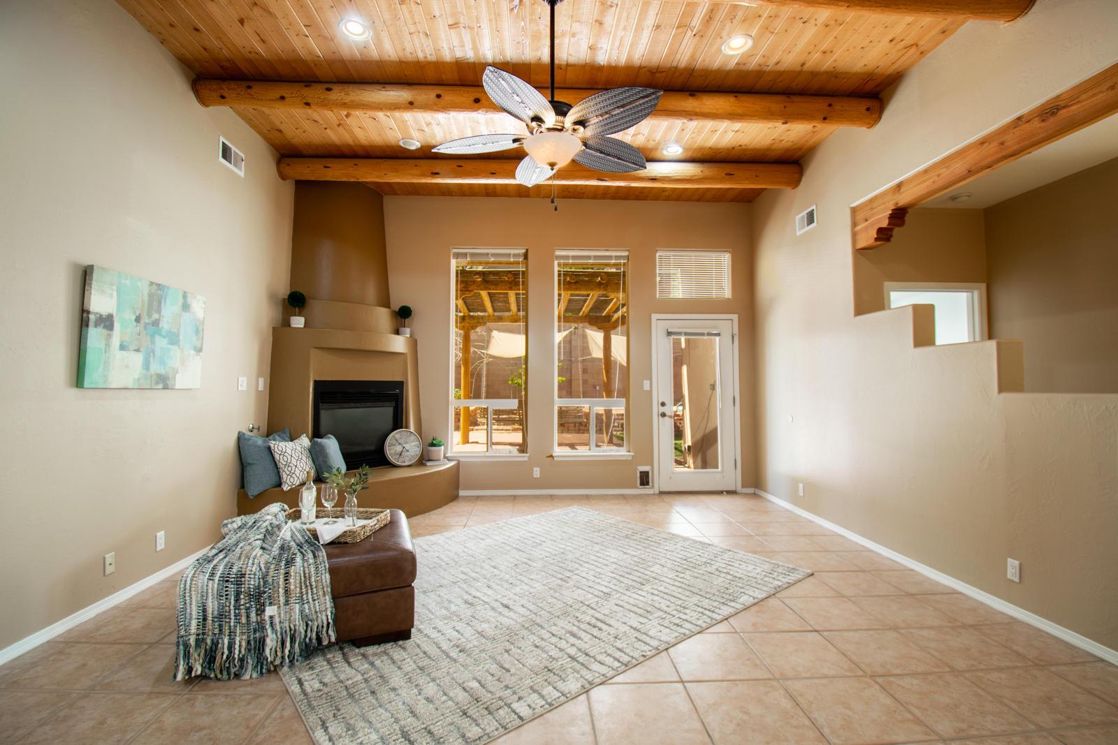 5112 Stone Mountain Livingroom.jpg