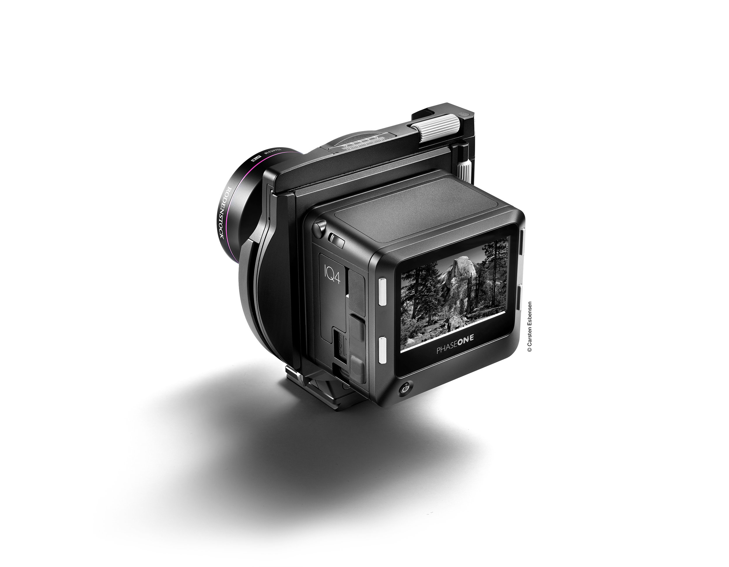 Travel-friendly design - The XT Camera System sports a modular and travel-friendly design that fits easily into your lifestyle. The form and aesthetic underline the system's priorities as a new breed of camera, masterfully designed for convenience without sacrificing quality.